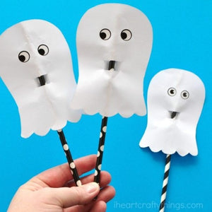If you're looking for easy ghost crafts for toddlers and preschoolers, you'll love these adorable ideas
