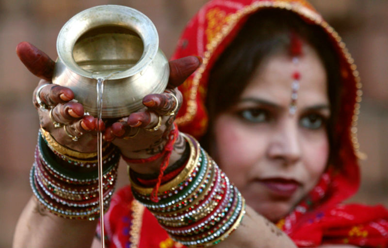 How Bangles Play a Significant Role in Asian Culture