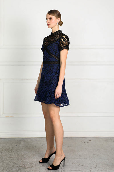 OBTAIN LACE SHORT DRESS