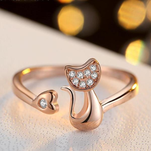 Stunning Gold Cat Ring