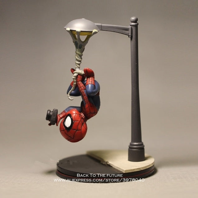 14cm Spiderman take photo Action Figure