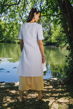 Load image into Gallery viewer, Airy Tunic - white cotton-linen