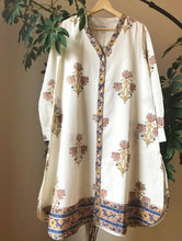 Load image into Gallery viewer, Airy Tunic - soft pink/deep blue