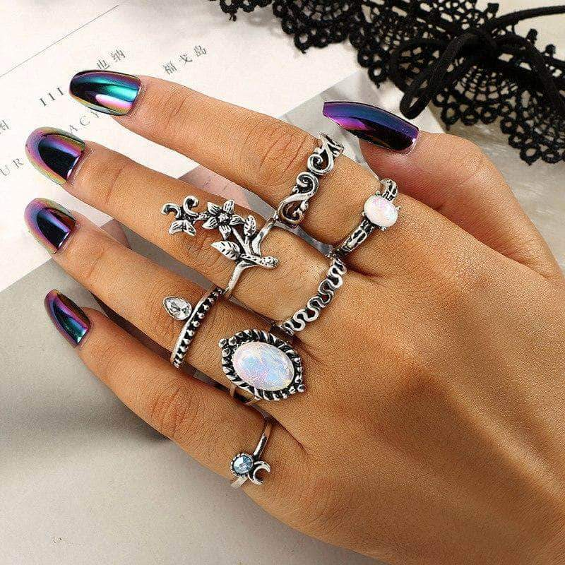 The Retro Midi Ringset - Unique women Jewelry! Rings, bracelets, watches & more..