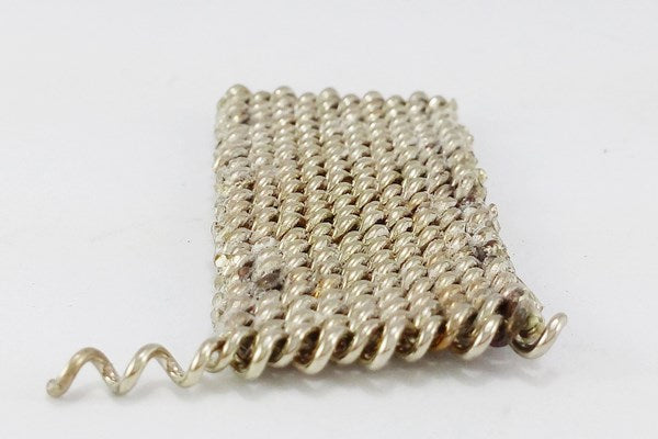 insertion d'une cannetille pour fabrication bracelet maille milanaise