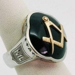 chevaliere or onyx