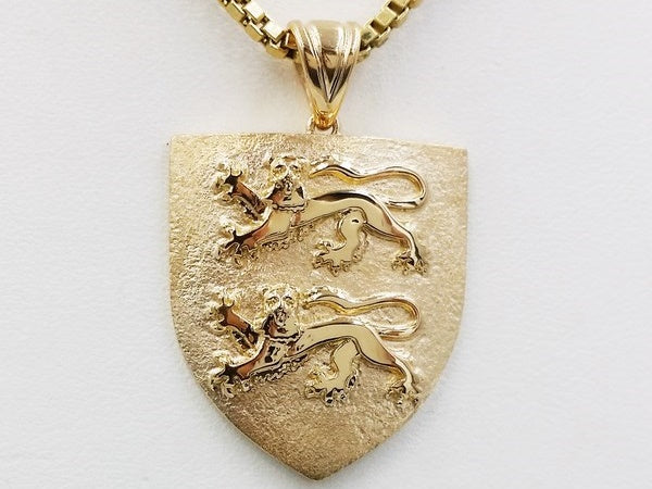 pendentif famille or 18 carats