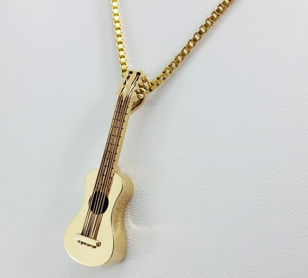 gold guitar pendant, 18k yellow gold