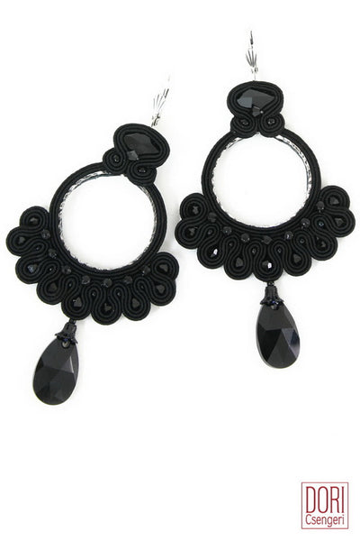 Essence Must Have Earrings