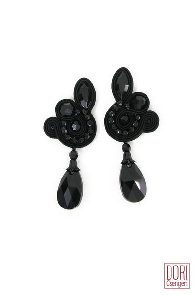 Essence Elegant Earrings