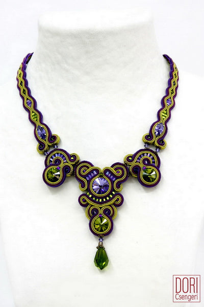 Kiwi High Fashion Necklace
