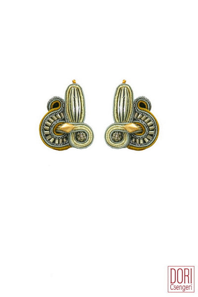 Metallic Umique Clips Earrings