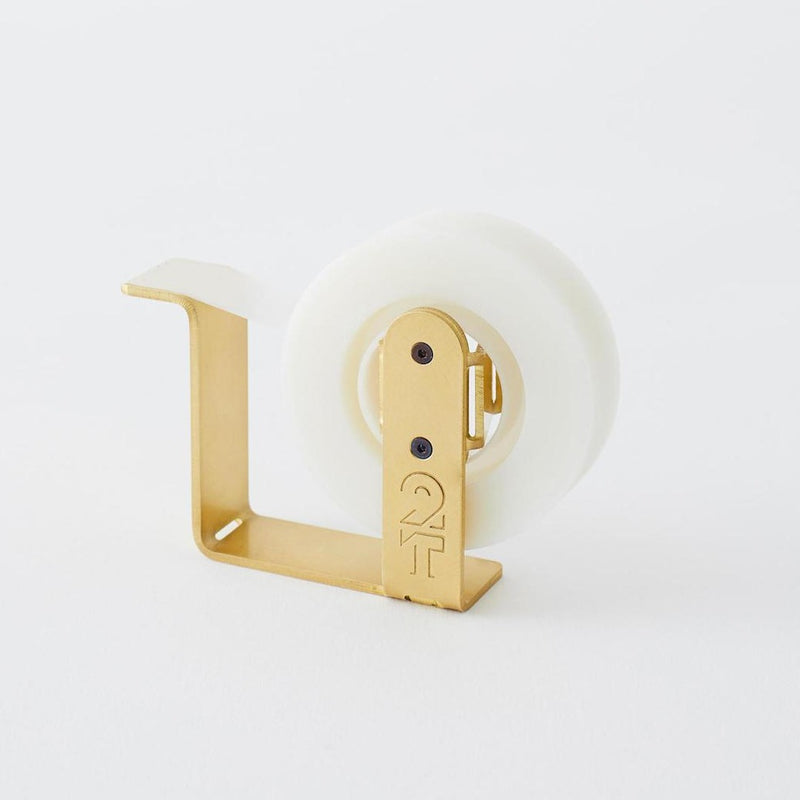 2THICKNESS-Tape-Dispenser-aus-Messing-Design-handcrafted-in-South-Korea