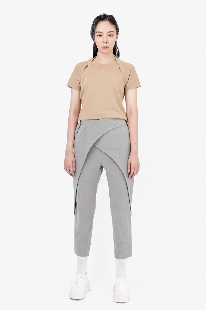 SEANNUNG - 前交叉襠片長褲 Crossed Belt Trousers in Grey - Woman