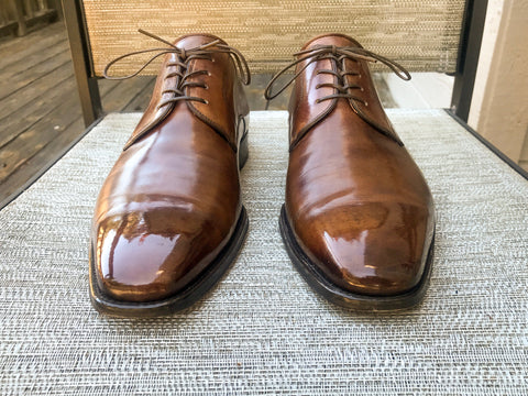 Magnanni Calfskin Derby Shoes Naturally Polished to a Mirror Shine