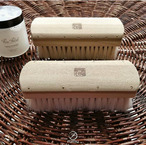 Fumu in Singapore shares our Cleaner Conditioner with the Japanese Handmade Uno Brush.