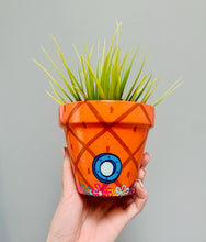 "Load image into Gallery viewer, 4"" MEDIUM / 5"" LARGE - SPONGEBOB PINEAPPLE WITH FLOWERS PLANTER"