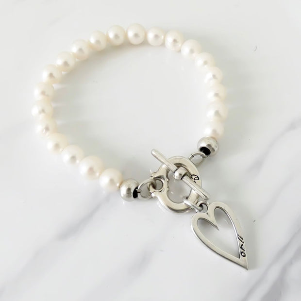 Mini open heart pearl t-bar bracelet
