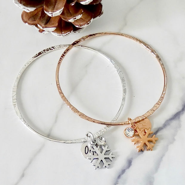 Thin bangle with snowflake and crystal