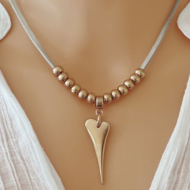 Silver suede pointed heart necklace, rose gold