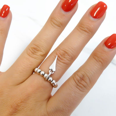 Silver beads ring with mini pointed heart, all silver