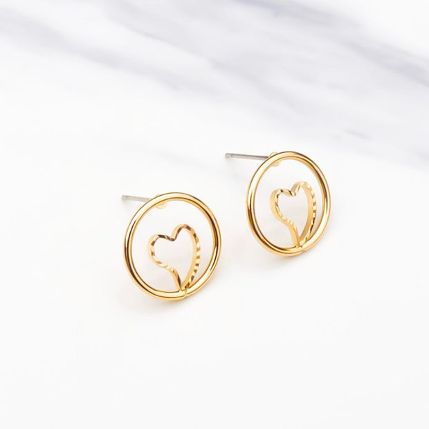 Heart in circle stud earrings, yellow gold