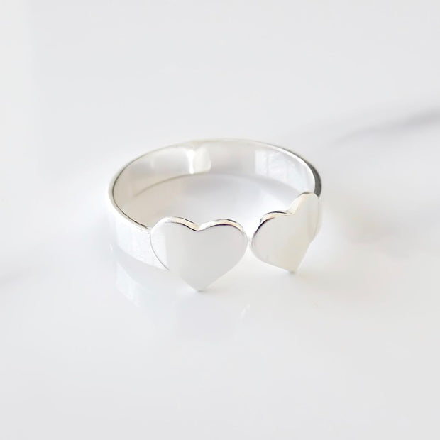 Sterling silver twin heart expandable ring