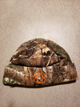 Load image into Gallery viewer, Reversible Camo Beanie