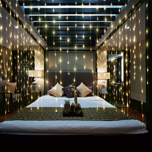 Falling LED Curtain Lights - BLVCKBEAUTY