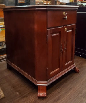 Montegue End Table Humidor 1500+cc Includes Cigar Oasis Plus