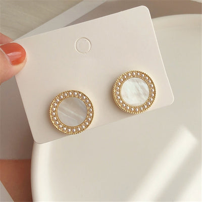 Vintage temperament shell earring minimalist style