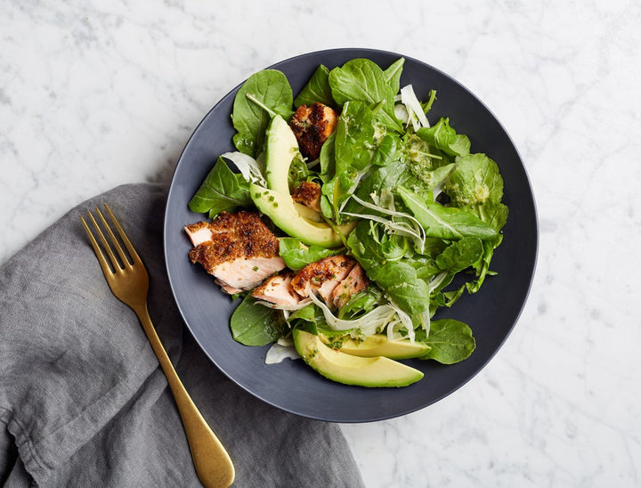 LUNCH | Arugula Salad with Fennel-Crusted Salmon and Avocado