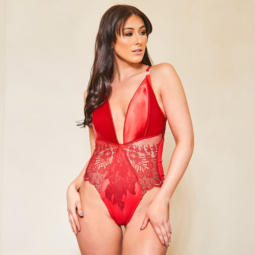 Lady in Red Nursing Body