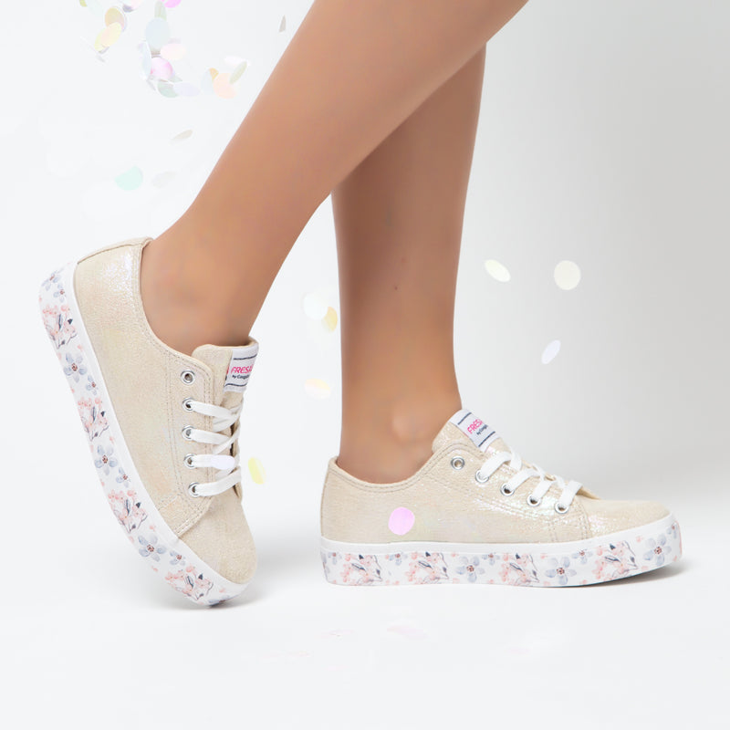 Girl's Metallic White Flowers Sneakers