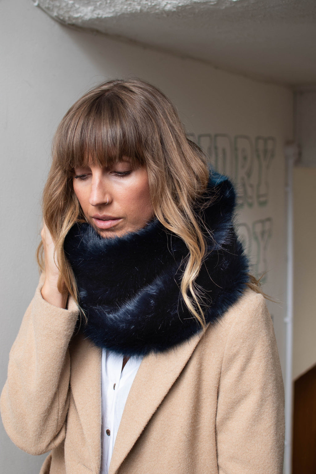 Faux fur navy & blue snood