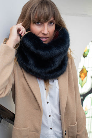 Faux fur snood navy & red