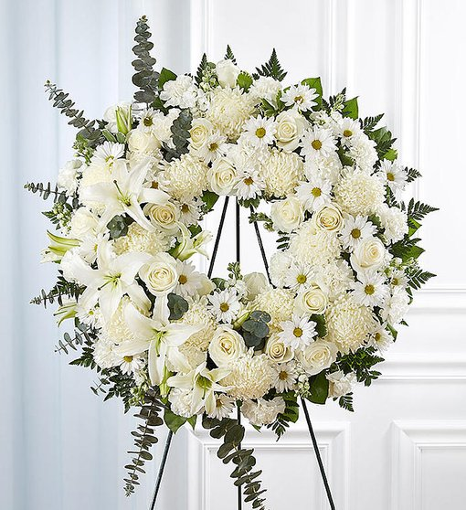 Prayerful Tranquility Standing Wreath - Eternal White