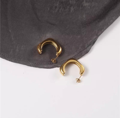 Geometric Hoop Earrings (Gold)