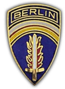Berlin Small Hat Pin