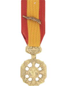 Vietnam Cross Of Gallantry With Palm Mini Medal
