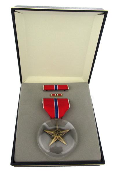 U.S. Army Bronze Star Medal Set with Ribbon