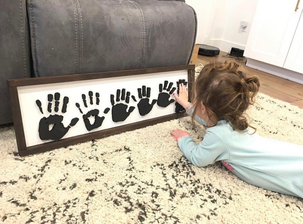 Hand and footprint sign 5-6