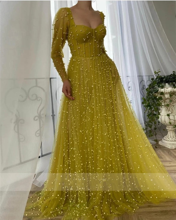Sweetheart Neckline Hang Up Long Sleeves Yellow Prom Dress with Pocket See Through Pearls Evening Dress