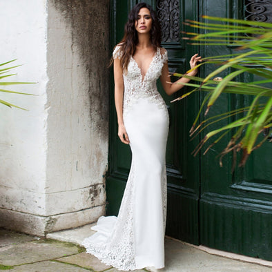 Mermaid Wedding Dress Long 2019 Vestidos de novia Vintage Lace V- Neck Bridal Gown Backless Wedding Gowns Sweep Train