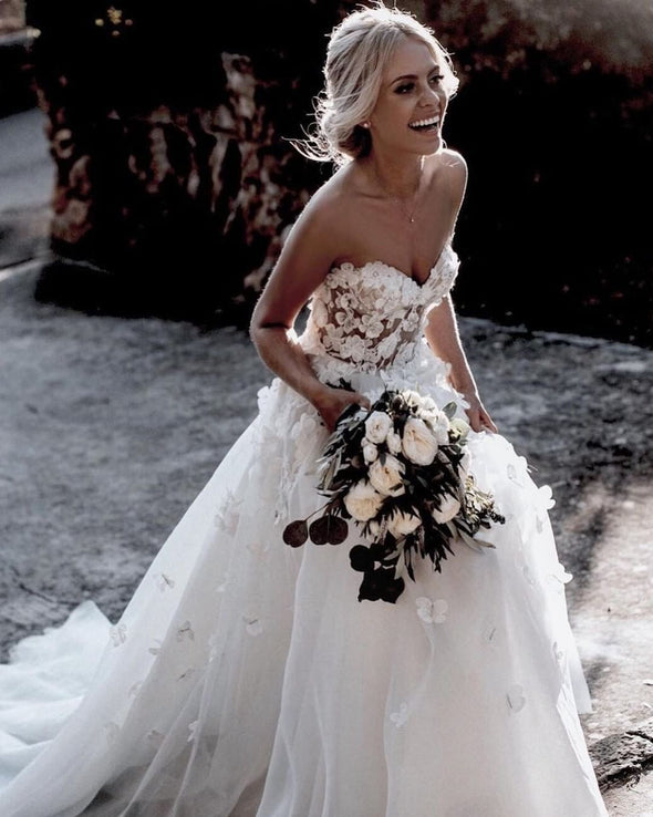 Fairy Wedding Dresses Flowers With Pearls Backless Bride Gown