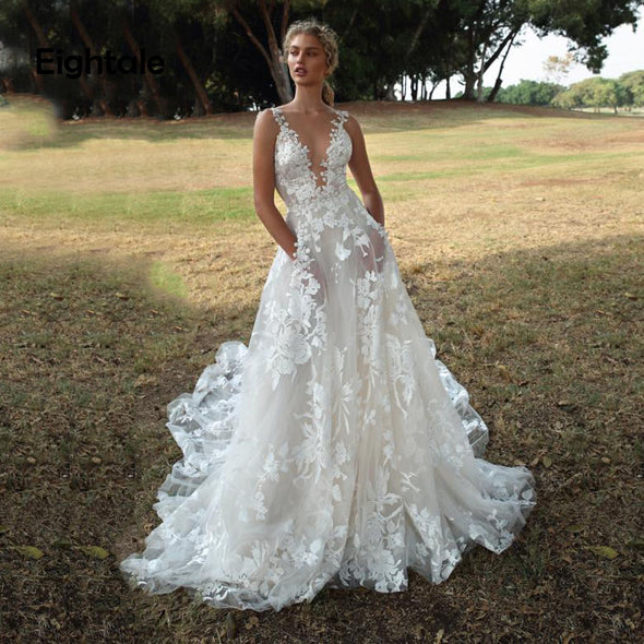 Romatic Wedding Dresses Boho V-Neck Lace A-Line Beach Wedding Gowns Sexy Bride Dress with Pockets
