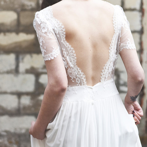 Boho V-Neck Backless Beach Casual Wedding Dresses Bohemian Elegant Lace Straps Open Back Romantic Bridal Gowns