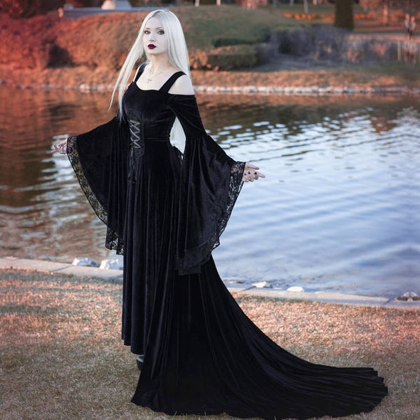 Black Velvet Wedding Dress Flared Sleeves A Line Trailing Arab Dubai 2020 New Style Bridal Dress