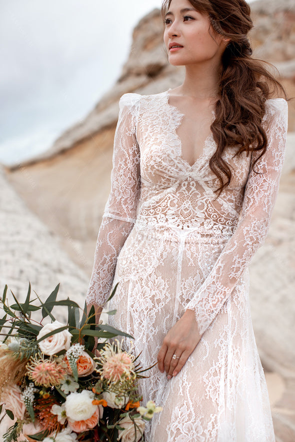 Long Sleeve Lace Dreamy Wedding Dresses V-Neck Boho Bridal Gowns Engagement Noivas Chic DW501