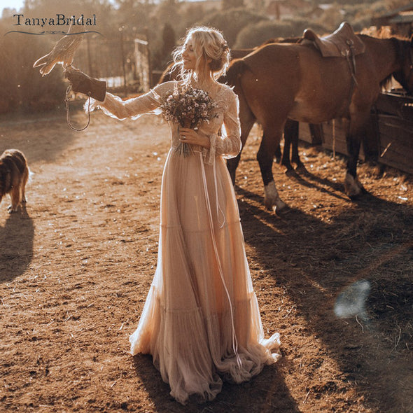 Nude champagne Country Wedding Dresses Long sleeve V-Neck Bridal Gowns Robe de Soriee Chic Bohemian Noivas DW236